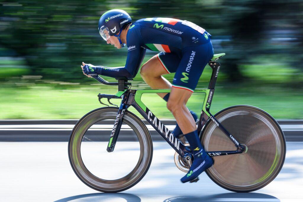 aerodynamisk cyklist tempoposition